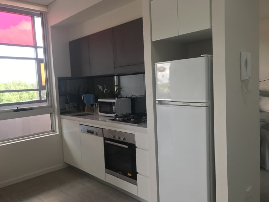 $600, 1-bed, 1 bathroom, William Street, Beaconsfield NSW 2015