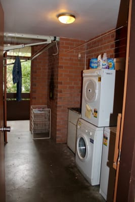 $275, Whole-property, 2 bathrooms, King William Street, Fitzroy VIC 3065