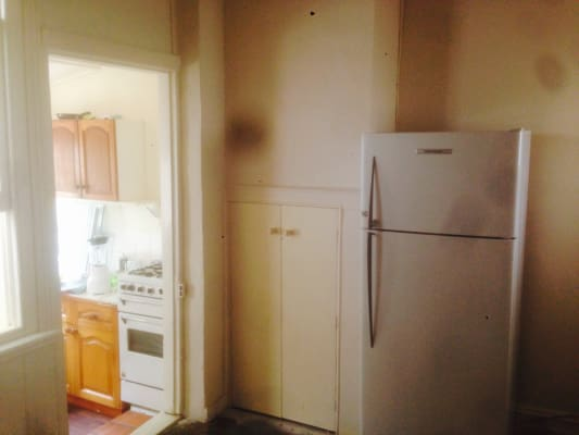 $185, Share-house, 2 bathrooms, Danks Street, Albert Park VIC 3206