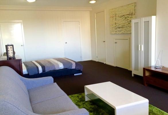 $320, Studio, 1 bathroom, Wardens Walk, Coburg VIC 3058