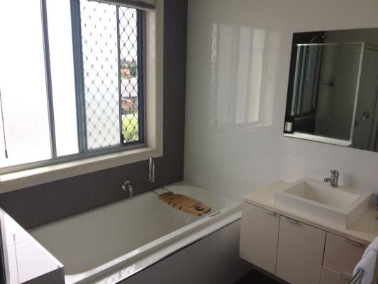 $150, Share-house, 4 bathrooms, Oberon Close, Harrison ACT 2914