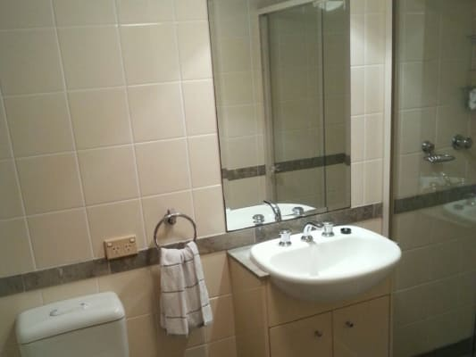 $385, Flatshare, 2 bathrooms, Alfred Street South, Milsons Point NSW 2061