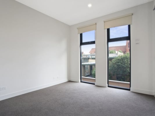 $240, Flatshare, 2 bathrooms, Balaclava Rd, Caulfield VIC 3162