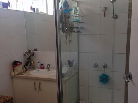 $180, Flatshare, 2 bathrooms, Barkly, Saint Kilda VIC 3182