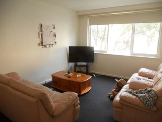 $180, Flatshare, 2 bathrooms, Barky, Saint Kilda VIC 3182