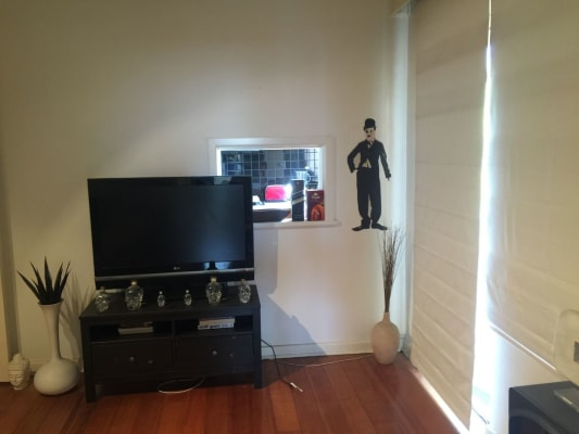 $230, Flatshare, 2 bathrooms, Beach Ave , Elwood VIC 3184