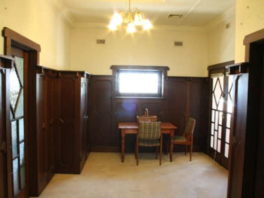$220, Flatshare, 3 bathrooms, Brighton Road, Elwood VIC 3184