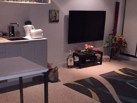 $250, Flatshare, 2 bathrooms, Claremont , South Yarra VIC 3141