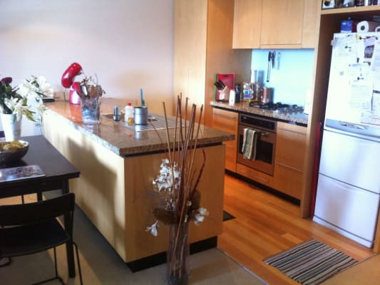 $300, Flatshare, 2 bathrooms, Clarendon St, Southbank VIC 3006
