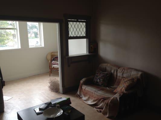 $250, Flatshare, 1 bathroom, Como Parade West, Mentone VIC 3194