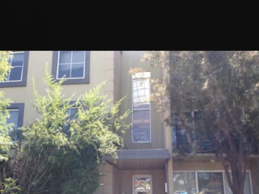 $195, Flatshare, 5 bathrooms, Dandenong Rd, Malvern East VIC 3145