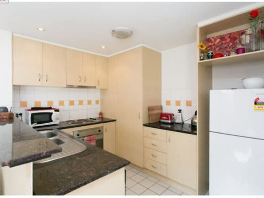 $207, Flatshare, 3 bathrooms, Dandenong Road, Windsor VIC 3181