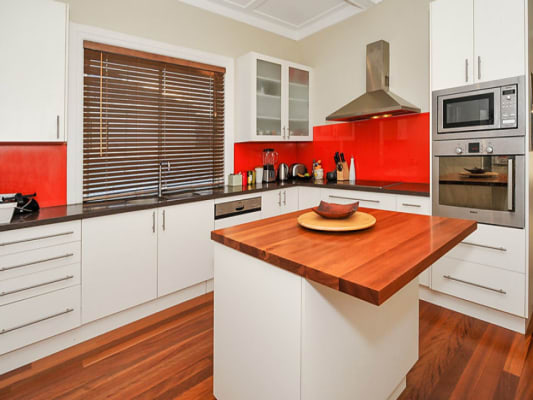 $340, Flatshare, 3 bathrooms, Dolphin St, Coogee NSW 2034