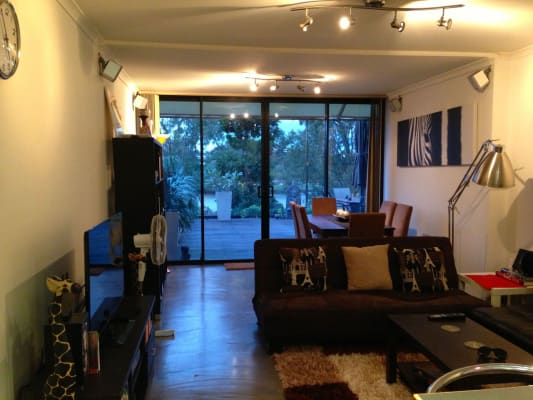 $160, Flatshare, 3 bathrooms, Dunmore Tce, Auchenflower QLD 4066