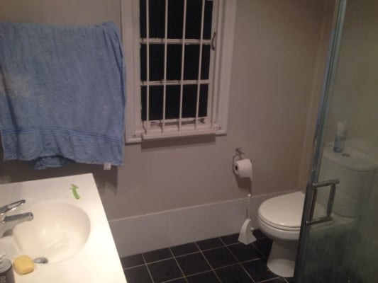 $130, Flatshare, 3 bathrooms, Emma Street, Milton QLD 4064