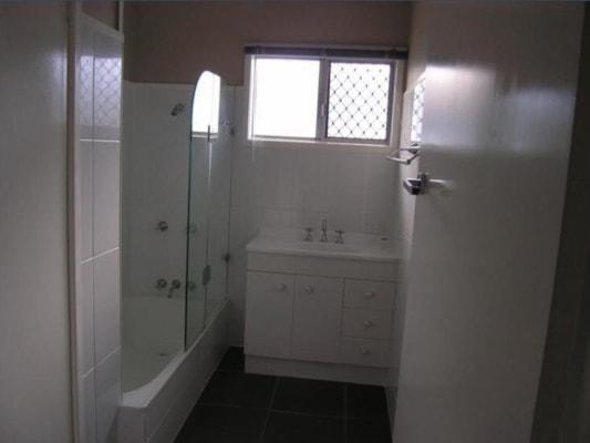 $340, Flatshare, 2 bathrooms, Ferguson Street, Albany Creek QLD 4035