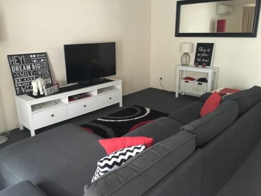 $200, Flatshare, 2 bathrooms, Gold Coast Highway, Burleigh Heads QLD 4220