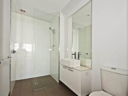 $200, Flatshare, 3 bathrooms, High Street, Preston VIC 3072