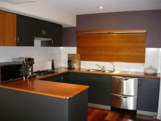 $250, Flatshare, 2 bathrooms, Lake Street, Perth WA 6000