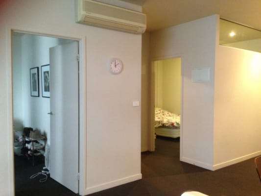 $150, Flatshare, 2 bathrooms, Little Bourke Street, Melbourne VIC 3000
