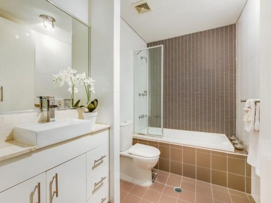 $275, Flatshare, 2 bathrooms, Oaks Avenue, Dee Why NSW 2099