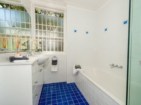 $410, Flatshare, 3 bathrooms, Plunkett Street, Kirribilli NSW 2061