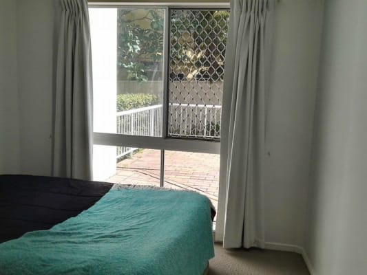 $200, Flatshare, 2 bathrooms, Seagull Ave , Mermaid Beach QLD 4218