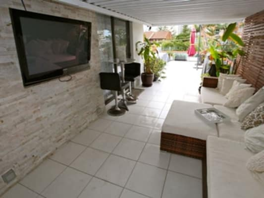 $190, Flatshare, 4 bathrooms, Second Avenue , Broadbeach QLD 4218