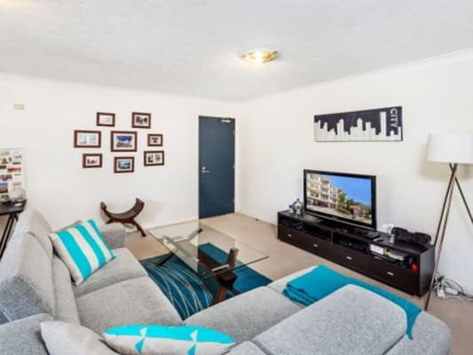 $250, Flatshare, 2 bathrooms, Shafston Ave, Kangaroo Point QLD 4169