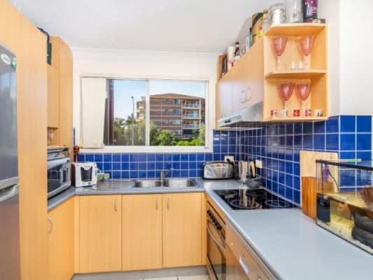 $250, Flatshare, 2 bathrooms, Shafston Ave, Kangaroo Point QLD 4169