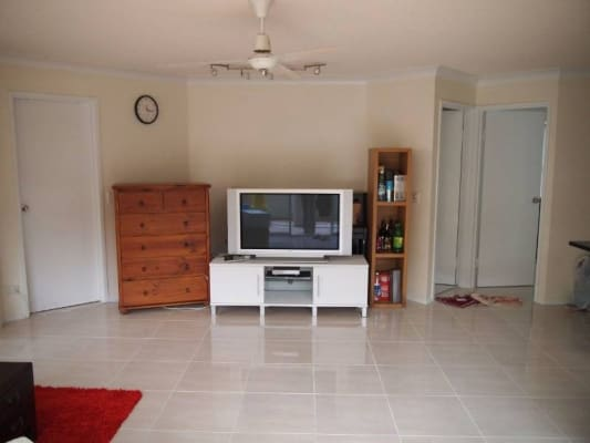 $275, Flatshare, 3 bathrooms, Sir Fred Schonell Drive, Saint Lucia QLD 4067
