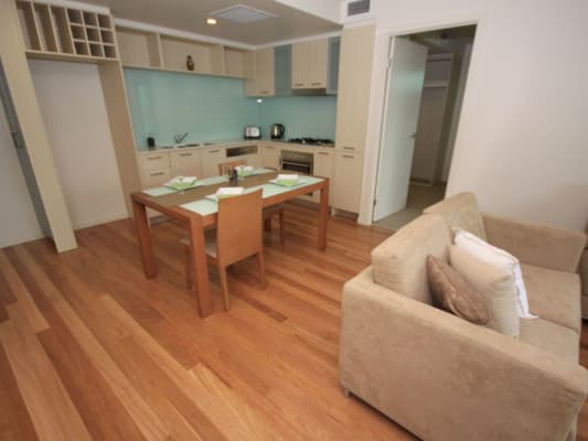 $600, Flatshare, 2 bathrooms, Sir Fred Schonell Drive, Saint Lucia QLD 4067