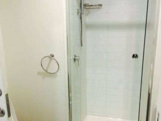 $320, Flatshare, 2 bathrooms, Sutherland Street, Melbourne VIC 3000