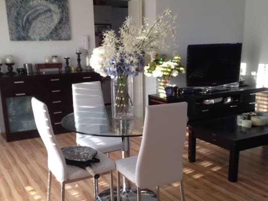 $350, Flatshare, 2 bathrooms, Todman Ave, Kensington NSW 2033