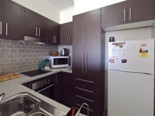 $200, Flatshare, 3 bathrooms, Wardens Walk, Coburg VIC 3058