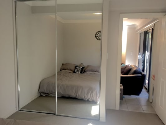 $255, Flatshare, 2 bathrooms, Wellington , Kangaroo Point QLD 4169