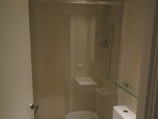 $300, Flatshare, 2 bathrooms, Wellington St, Saint Kilda VIC 3182