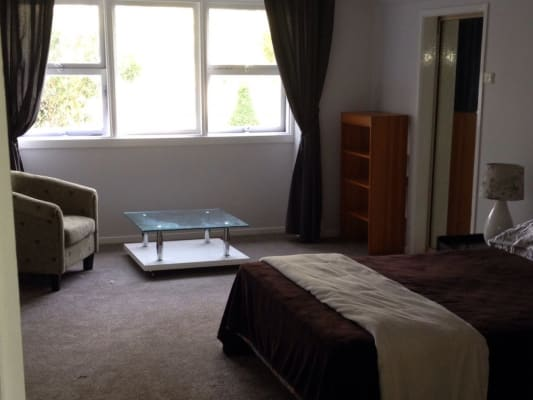 $350, Flatshare, 2 bathrooms, Wells Street, Springfield NSW 2250