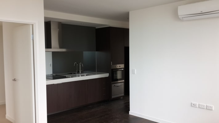 $165, Flatshare, 2 bathrooms, Rose Lane, Melbourne VIC 3000