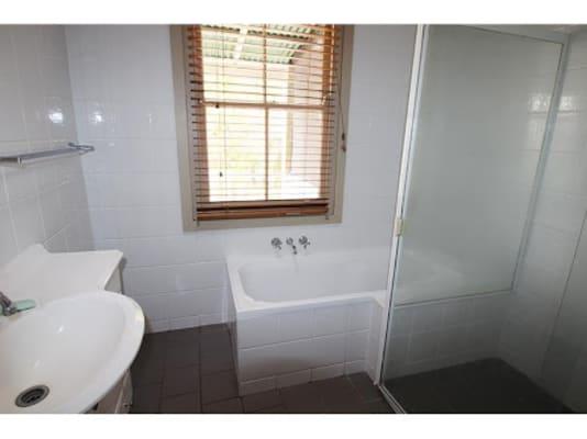 $135, Share-house, 3 bathrooms, Dangar Street, Wickham NSW 2293