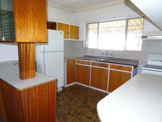 $80, Student-accommodation, 1 bathroom, Chapman Road, Bentley WA 6102