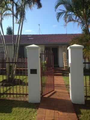 $550, Whole-property, 3 bathrooms, Sigatoka Place, Clear Island Waters QLD 4226