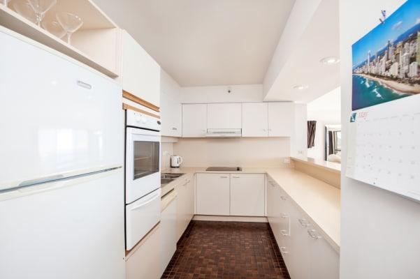 $400, Flatshare, 4 bathrooms, The Esplanade, Burleigh Heads QLD 4220