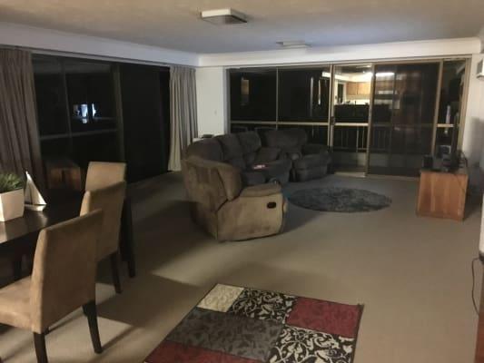 $250, Flatshare, 2 bathrooms, Hayle Street, Burleigh Heads QLD 4220
