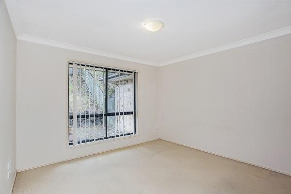 $180, Share-house, 3 bathrooms, Marybeth Crescent, Molendinar QLD 4214