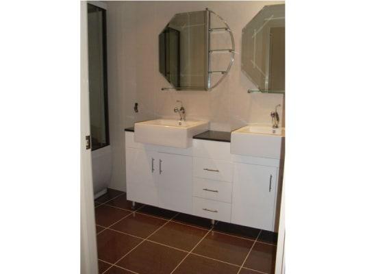 $175, Share-house, 4 bathrooms, Myrtle Street, Glen Waverley VIC 3150