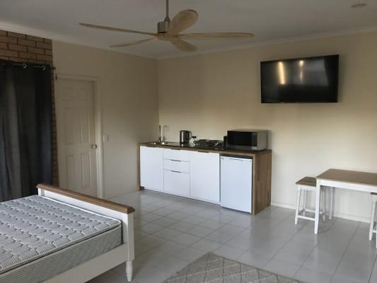 $265, Studio, 1 bathroom, Monterey Keys Drive, Helensvale QLD 4212