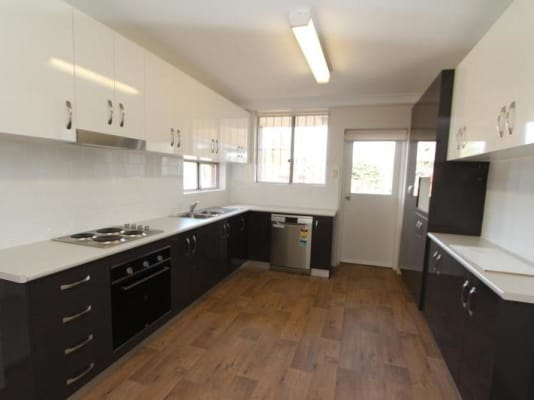 $350, Flatshare, 3 bathrooms, Penkivil Street, Bondi NSW 2026