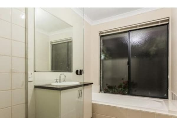$180, Share-house, 4 bathrooms, Burkett Terrace, Bertram WA 6167