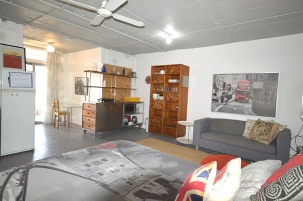 $260, Studio, 1 bathroom, Nesca Parade, The Hill NSW 2300